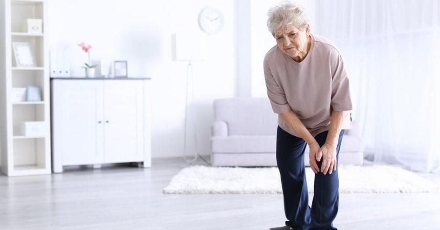 Đối tượng có nguy cơ cao thường là người cao tuổi và phụ nữ sau mãn kinh.