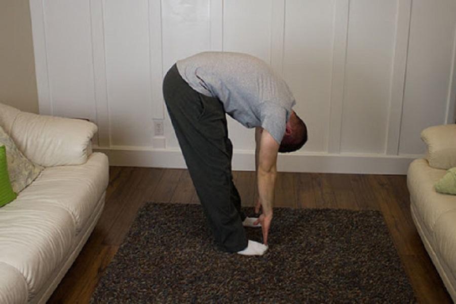 Bài tập chạm ngón chân là một trong những bài tập tăng chiều cao đơn giản và hiệu quả nhất. Bài tập này làm tăng tính linh hoạt của cơ và xương, kéo thẳng cột sống giúp chiều cao phát triển.
