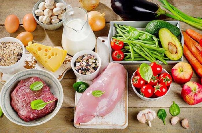 Dinh dưỡng đầy đủ chất đạm, chất béo, vitamin và khoáng chất yếu tốt then chốt để cải thiện chiều cao ở tuổi 17 hiệu quả