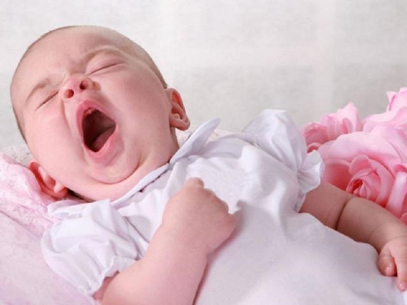 Trẻ ngủ muộn sẽ bỏ lỡ thời gian vàng mà hormone tăng trưởng GH tiết ra nhiều nhất là rào cản kìm hãm sự phát triển chiều cao của trẻ