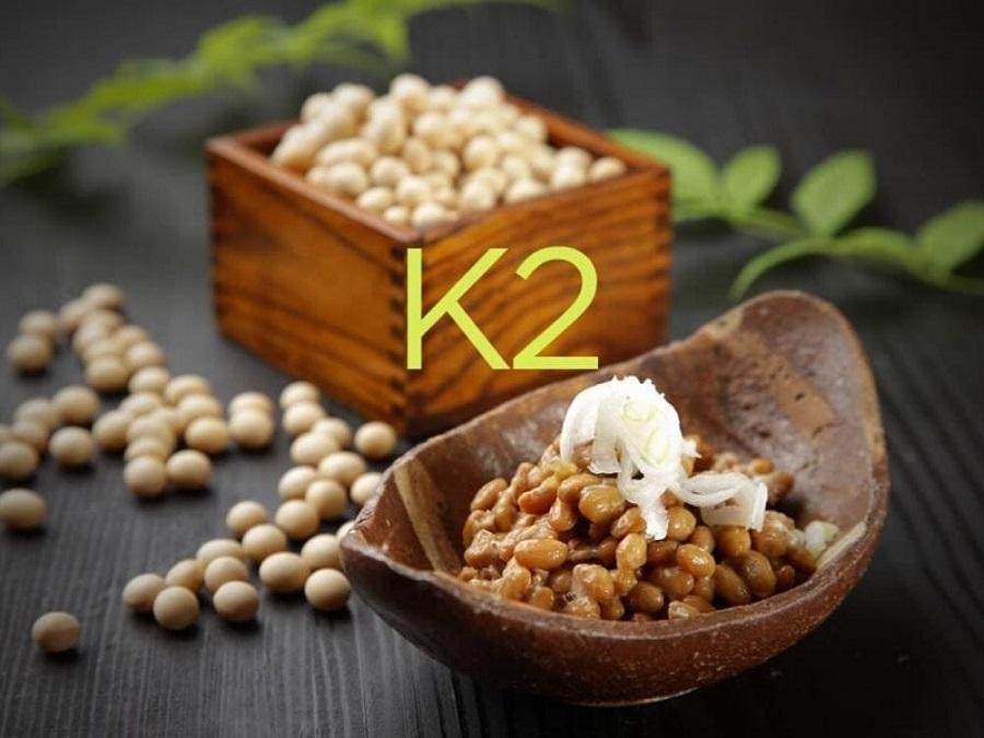 Vitamin K2 có nhiều trong các thực phẩm lên men, phô mai và nhiều nhất trong natto đậu nành lên men