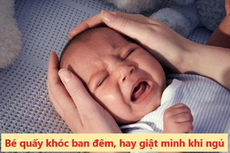 Thiếu vitamin D khiến trẻ quấy khóc ban đêm, hay giật mình