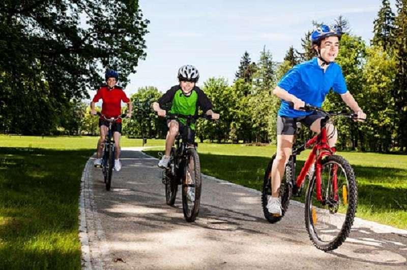 Đạp xe là một trong những bộ môn tăng chiều cao cho trẻ hiệu quả dễ thực hiện nhất hiện nay