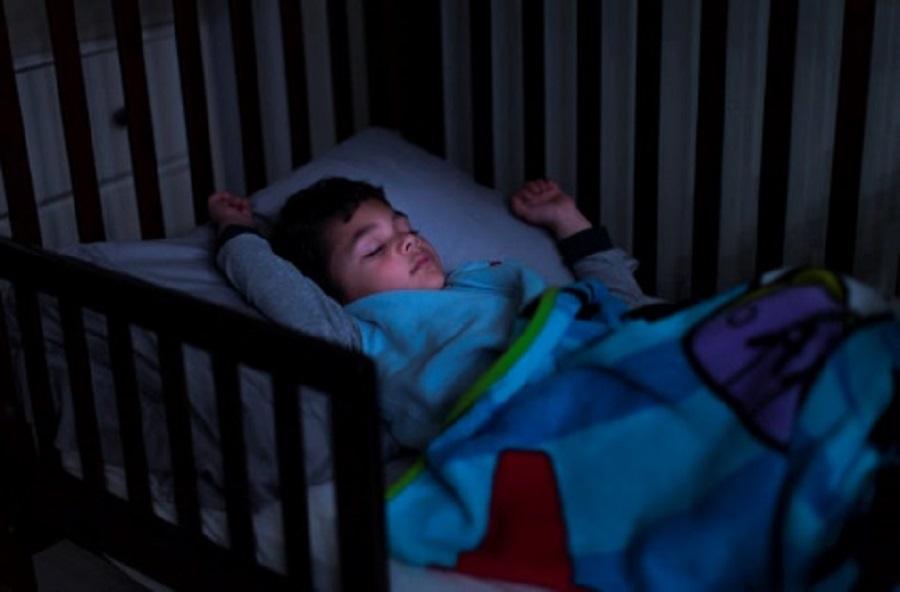 Ngủ sớm và ngủ đủ giấc giúp trẻ tiết lượng hormon GH tối đa