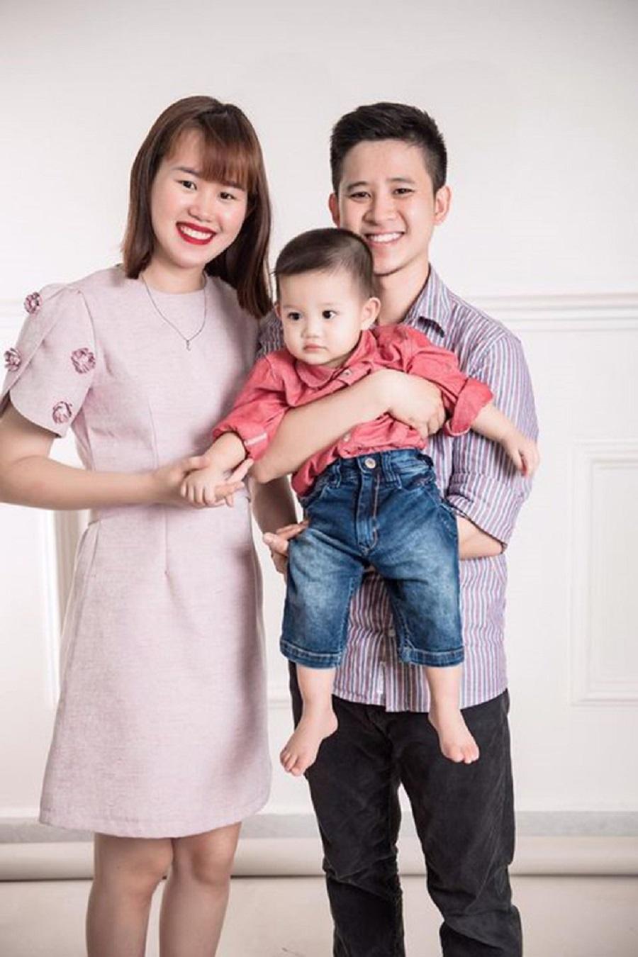 gia đình mẹ Nhung và bé Luka