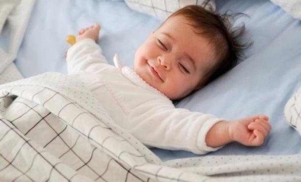 Trẻ cần ngủ sớm và ngủ đủ giấc